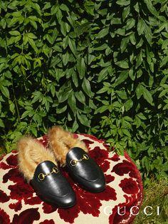 From Gucci Cruise 2018 by Alessandro Michele, new loafers with Horsebit detail.