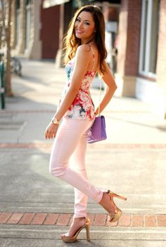 floral top + pale pink jeans