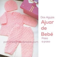 Resultado de imagen para ropon o chaquetita facil tejida en dos agujas para bebe Knitting For Kids, Baby Knitting Patterns, Crochet For Kids, Baby Patterns, Crochet Baby, Knit Crochet, Bebe Baby, Baby Wearing, Clothing Patterns