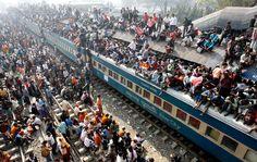 busy trainstation, Dhaka-Bangladesch
