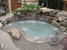 inground spa with waterfall….would like to remodel pool with this look Inground Spa mit Wasserfall …. möchte Pool mit diesem Look umgestalten Hot Tub Backyard, Small Backyard Pools, Small Pools, Hot Tub On Deck, Small Backyards, Inground Hot Tub, Spool Pool, In Ground Spa, Small Pool Design