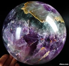 Fluorite Sphere, Crystal Ball--I love Fluorite! Crystal Magic, Crystal Egg, Crystal Sphere, Crystal Ball, Crystal Healing, Minerals And Gemstones, Rocks And Minerals, Beautiful Rocks, Mineral Stone