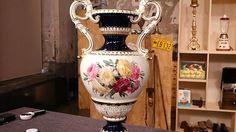 Prunkvase - kobaltblau- 1900-1920- Meissen, gemarkt mit Knaufschwerten,Entwurf stammt aus den 1860er Jahren vom Modelleur Ernst August Leuteritz (1818-1893); Wert:1200-1600€