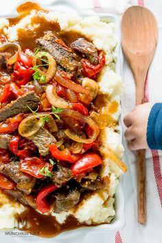 Tender Crock Pot Pepper Steak in amazing thick sauce. Easy dinner recipe for…