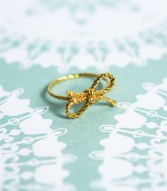 Forget Me Knot Ring - too cute!