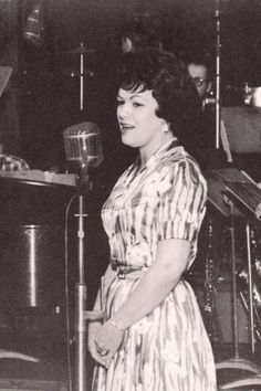 Patsy Cline We didn't hear too much news about her where we were, but we did enjoy her music. Very sad how she died. Old Country Music, Country Music Artists, Country Music Stars, Country Singers, Outlaw Country, Country Women, American Country, Her Music, Music Love
