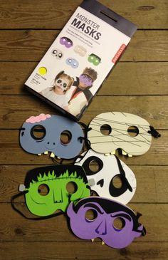 Perfekt für Halloween: 5 Monster Masks im Set von Kikkerland Design.