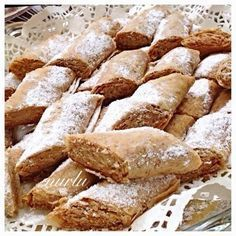 Most Delicious Recipe, Delicious Desserts, Yummy Food, Baklava Cheesecake, Iftar, Turkish Recipes, Dessert Bars, Soul Food, Hot Dog Buns