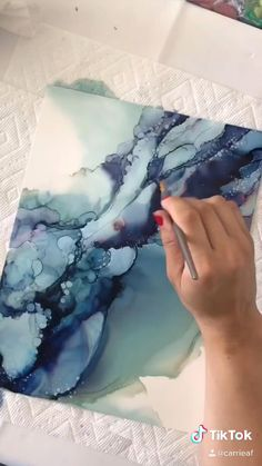 Alcohol Ink Crafts, Alcohol Ink Painting, Alcohol Ink Art, Oil Painting Abstract, Watercolor Art, Magnolia Paint, Acrylic Pouring Art, Marble Art, Diy Canvas Art