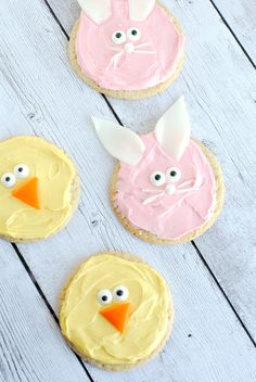 Simple Easter Cookies! Perfect last minute Easter idea and works great for class parties too