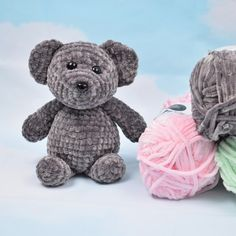 You want to try and see if you like crocheting, knitting, sewing or crafting? Here, you'll find free crochet patterns, knitting patterns and sowing patterns! Knit Or Crochet, Crochet Toys, Free Crochet, Knitting Patterns, Crochet Patterns, Bear Patterns, Sewing Patterns, Knitted Teddy Bear, Crochet Animals