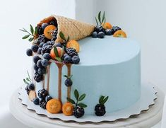 Fruit cake - fresh fruit with cream makes the fruit cake delicious and beautiful, everyone likes it - Page 29 of 37 - Amazing Cakes - Kuchen Beautiful Birthday Cakes, Beautiful Cakes, Amazing Cakes, Sweet Recipes, Cake Recipes, Dessert Recipes, Pretty Cakes, Cute Cakes, Cake Cookies