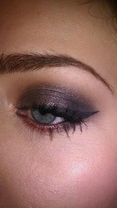 smokey for blue eyes