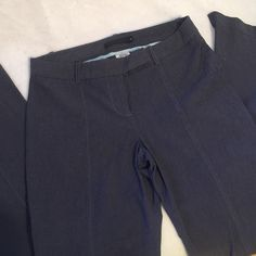 Guess collection pants. Size 4. In great condition Guess collection pants. Size 4. These pants are in great condition. Would be great for work or a night out!! Guess Pants