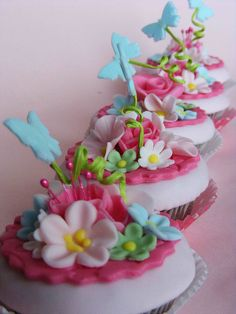 Pink cupcakes by bubolinkata, via Flickr