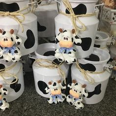 Cow Baby Showers, Baby Shower Themes, Baby Shower Decorations, Baby Boy Shower, Farm Animal Birthday, Cowgirl Birthday, Farm Birthday, Cow Birthday Parties, Farm Party