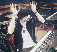 天月-Amatsuki<33 Life Pictures, Beautiful Voice, Pop Singers, Akatsuki, Cool, Vocaloid, Real Life, Singing, Fandoms