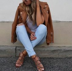 So nice. Light blue & brown #Womanfashion #Fashion #Style #Woman #Womanstyle #Sensual #Lookcool #Trend #Awsome #Luxury #TimelessElegance #Charming #Apparel #Clothing #Elegant #Instafashion #Cool #musthave #Chic #beauty #inspiration