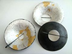 Taisuke Nakada: Iron, gold leaf and silver leaf.