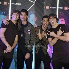 Chris e Erick, Erick e Chris!!! #CNCOBR❤
