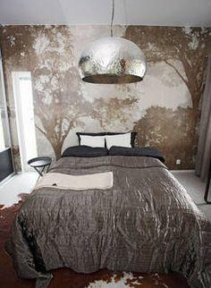 Valaisinkuvun peilipinta tuo kimallusta sisustukseen. Comforters, Blanket, Bed, Furniture, Home Decor, Creature Comforts, Quilts, Decoration Home, Stream Bed