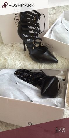 Steve Madden black Leat heel BNWT in box bought and never wore only tried on. Steve Madden Shoes Heels