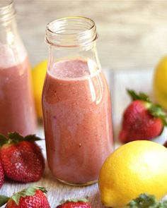 Strawberry Lemonade Smoothie made in the Vitamix