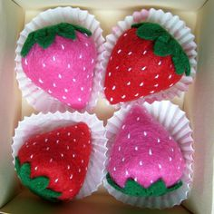Play food  Felt strawberries set of 4  Tea party by DusiCrafts, $13.00