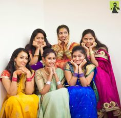 ideas funny couple poses wedding parties for 2019 Indian Wedding Pictures, Indian Wedding Poses, Indian Wedding Couple Photography, Wedding Picture Poses, Wedding Couple Photos, Bridal Photography, Mehendi Photography, Outdoor Photography, Photography Ideas