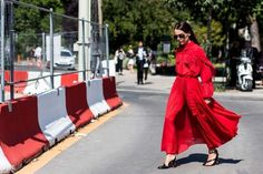 10 street style trends you need to know from haute couture fashion week: Floaty shapes Maybe it's a direct retailation from the suiting trend, but free-flowing, carefree dressing is having a moment. Case in point: real-life emoji red dresses. Add a print and you've got the ultimate summer dress.