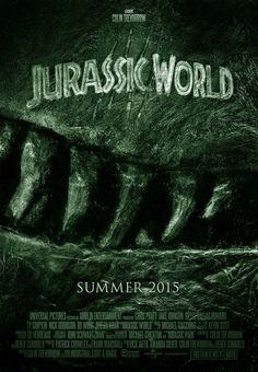 JURRASIC WORLD is een Amerikaanse sciencefictionfilm uit 2015. De film werd deze keer geregisseerd door Colin Trevorrow en is het vierde deel in de Jurassic Parkfilmserie. Het verhaal speelt zich 22 jaar na de gebeurtenissen in de eerste film af, op hetzelfde eiland (Isla Nublar). In de film komen geen belangrijke personages uit de voorgaande films terug. Op het eiland is ondertussen Jurassic World gebouwd, een bekend en goed draaiend themapark.