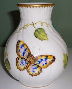 Signed Elegant ANNA WEATHERLEY Hungarian Porcelain Hand Painted Vase: NR!