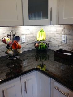 Supreme Kitchen Remodeling Choosing Your New Kitchen Countertops Ideas. Mind Blowing Kitchen Remodeling Choosing Your New Kitchen Countertops Ideas. Kitchen Cabinet Design, Kitchen Redo, Kitchen Tiles, Kitchen Colors, Kitchen Flooring, New Kitchen, Kitchen Remodel, Kitchen White, Kitchen Cabinets