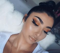 "2,419 Likes, 42 Comments - N I N A V E E (@theninavee) on Instagram: ""GOLDEN @hudabeauty @shophudabeauty ""Samantha"" Lashes #hudabeauty + Trendsetter Liquid Lip…"""