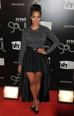 Lala Anthony looked sassy on the VH1 Divas red carpet in a black and silver dress with a houndstooth bodice and a fishtail skirt.