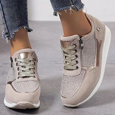 Zapatillas Casual, Tenis Casual, Casual Sneakers, Sneakers Fashion, Fashion Shoes, Women's Fashion, Fashion Online, Trendy Fashion, Winter Sneakers