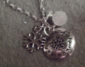 s n o w f l a k e  necklace