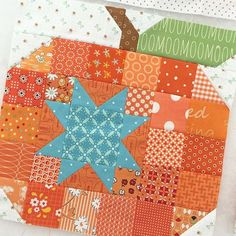 :: Crafty :: Quilt :: Patchwork :: Its a mash up of the Patchwork Pumpkin block and the Simple Star block.from my book Farm Girl Vintage ❤️✂️ Halloween Quilts, Halloween Quilt Patterns, Quilting Tutorials, Quilting Projects, Quilting Designs, Sewing Projects, Quilting Tips, Nine Patch, Small Quilts