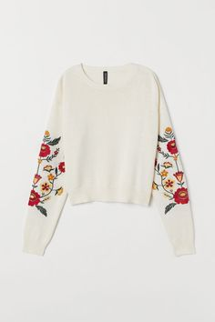 Packaging Ideas Discover Knit Sweater with Embroidery - Natural white/flowers - Ladies Embroidery On Clothes, Shirt Embroidery, Embroidered Clothes, Couture Embroidery, Simple Embroidery, Embroidered Flowers, Embroidery Patterns, Knitting Blogs, Knitting Yarn