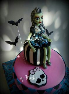 Monster high cake Frankie
