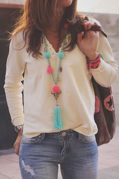 Solid casual v-neckline long sleeve blouses, solid tops, women blouse, preorder. Boho Chic, Bohemian Mode, Hippie Chic, Bohemian Style, Tassel Jewelry, Fabric Jewelry, Leather Jewelry, Hot Mom Outfits, Summer Outfits
