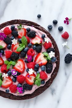 Very Berry Brownie Pizza | Free of grains, gluten, and dairy.