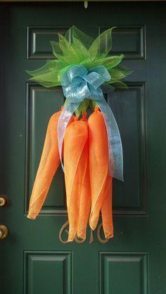 DIY Easter Carrot Mesh Wreath, Easter Decor Ideas #2014 #easter #carrot #mesh #wreath www.loveitsomuch.com