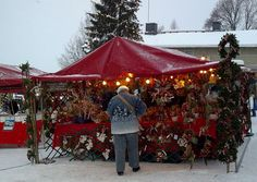 A stall in the Porvoo Christmas market