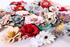 Little Birdie Mixed Media & Stunning Flowers Little Birdie, Mixed Media, Core, Floral Wreath, Wreaths, Flowers, Products, Floral Crown, Door Wreaths