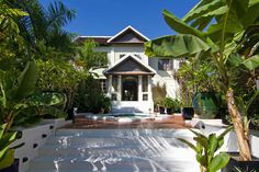 Hotel Luang Prabang Villa Maly with swimming pool and spa.