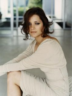 Marion Cotillard - beautiful light, engaging portrait and elegant dress for a personal branding photoshoot