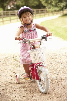 Do you struggle to get your kids to wear their bike helmets? Do you know these key points about fitting and ensuring a bike helmet is correctly positioned on your child's head?