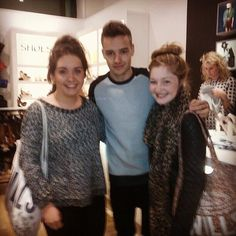 Twitter / 1DUpdatesOnline: Liam with a couple of fans ...