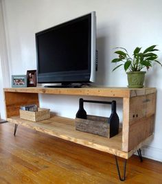 Looking for ideas to build your own entertainment center that suits your tastes and the space in your living room. Get inspired free DIY entertainment center ideas to get started. Home Projects, Interior, Diy Furniture, Home, Diy Tv Stand, Home Furniture, Wood Media Unit, Home Diy, Interior Design